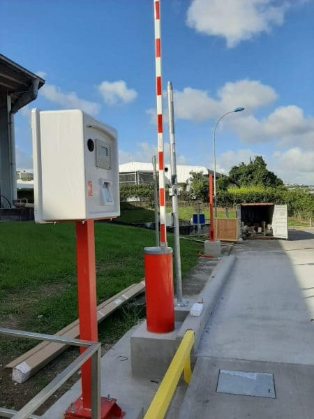 automatic weighing terminals and gates for weighbridges